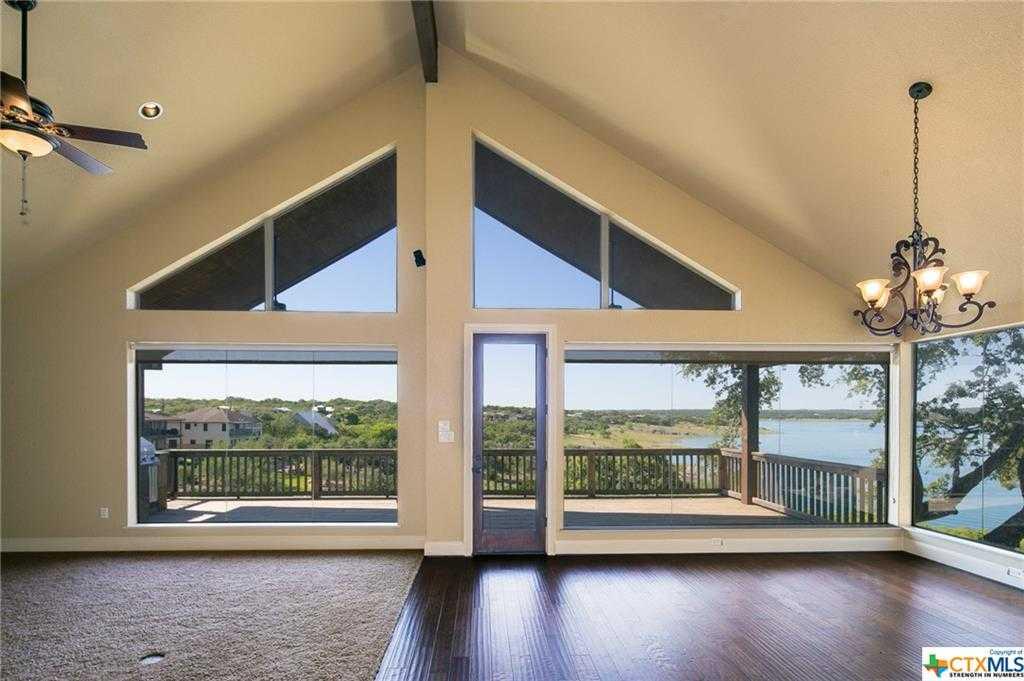 $685,000 - 4Br/3Ba -  for Sale in Canyon Lake Hills, Canyon Lake