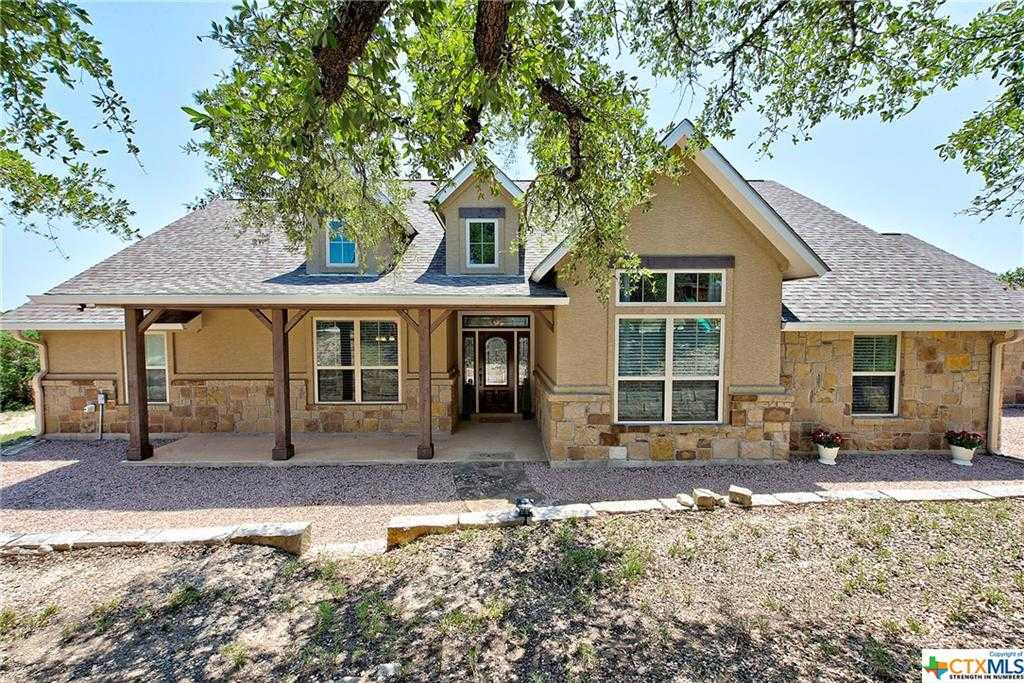 $495,000 - 4Br/4Ba -  for Sale in Lazy Diamond, Canyon Lake