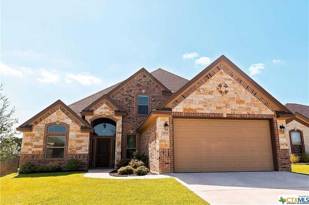 $405,000 - 4Br/4Ba -  for Sale in Highland Estates Ph Ii, Belton