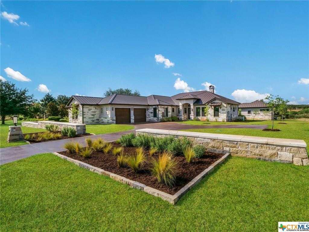 $970,000 - 4Br/4Ba -  for Sale in Summit Rock, Horseshoe Bay