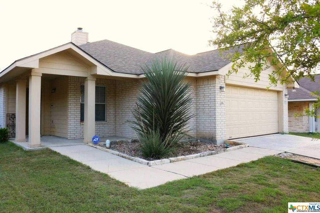 $225,000 - 4Br/2Ba -  for Sale in Whispering Valley #3, New Braunfels