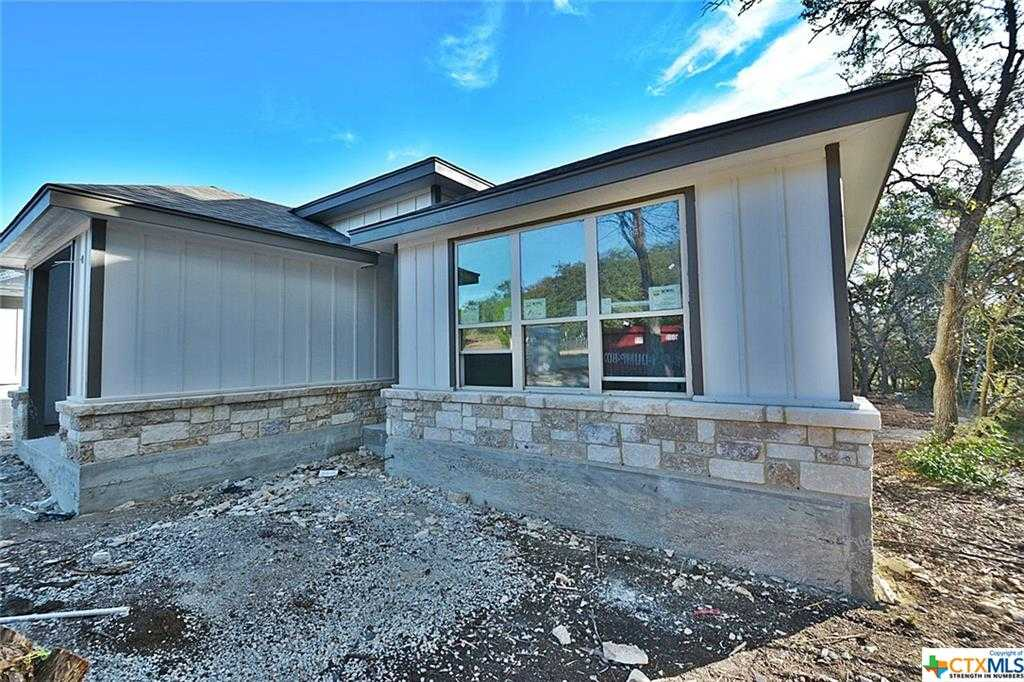 $266,650 - 3Br/2Ba -  for Sale in Scenic Terrace 1, Canyon Lake