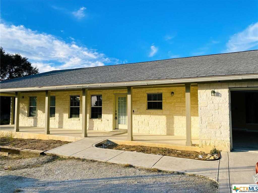 $320,000 - 3Br/2Ba -  for Sale in Mystic Shores 17, Spring Branch