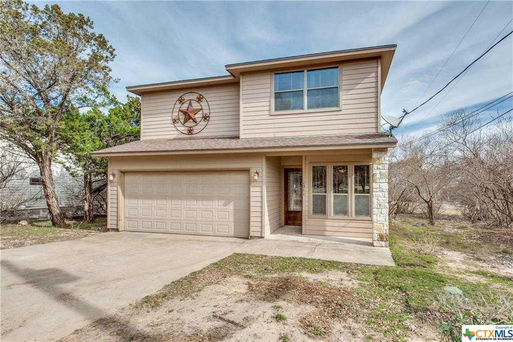 $439,900 - 3Br/3Ba -  for Sale in Canyon Lake Hills 1, Canyon Lake
