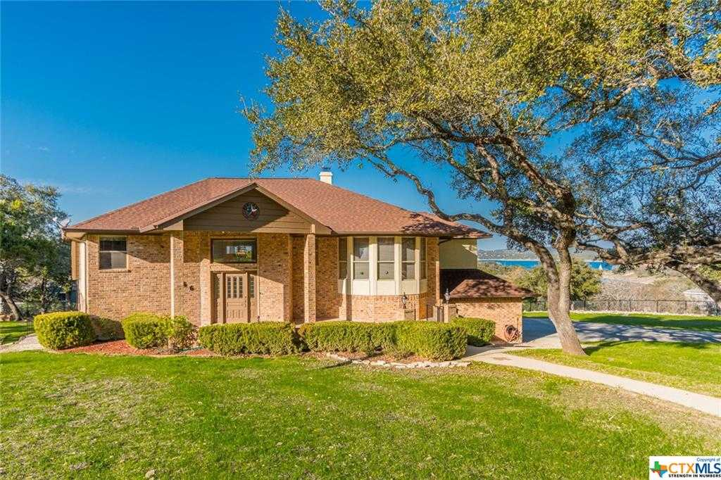 $899,000 - 3Br/3Ba -  for Sale in Highland Terrace, Canyon Lake
