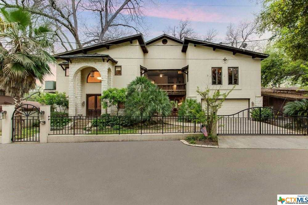 $1,577,777 - 5Br/4Ba -  for Sale in Isle Of View, Mcqueeney