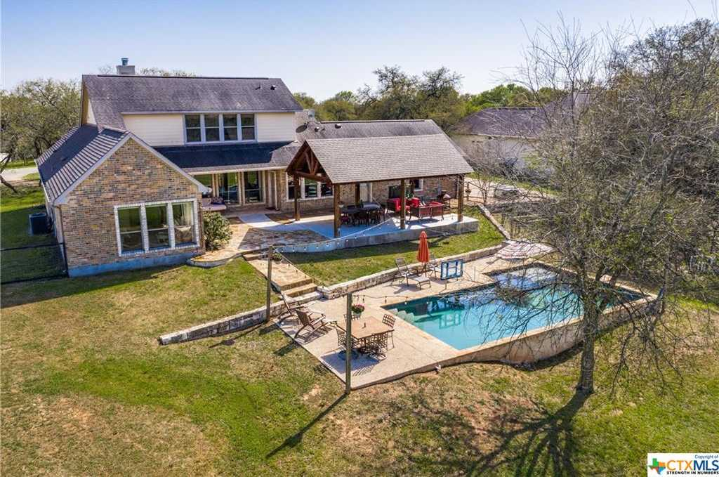 $649,900 - 4Br/3Ba -  for Sale in River Chase 5, New Braunfels