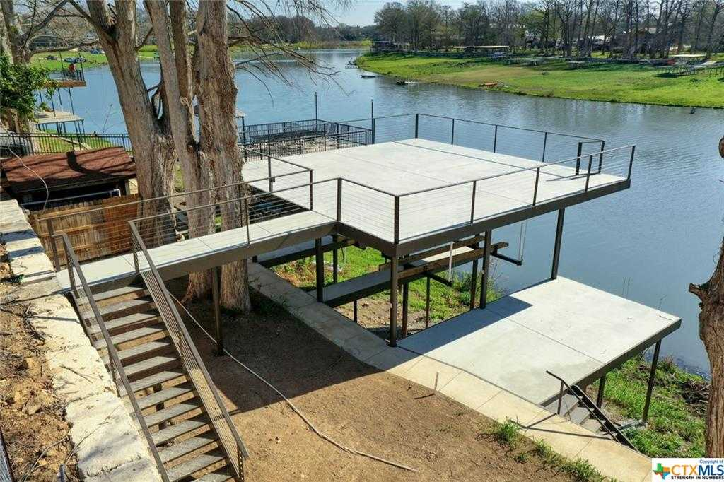 $699,900 - Br/Ba -  for Sale in New Braunfels