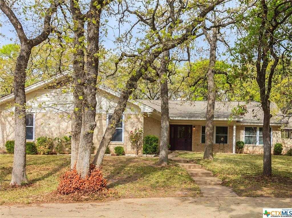 $267,500 - 3Br/2Ba -  for Sale in River Oaks Estates 3, Gatesville