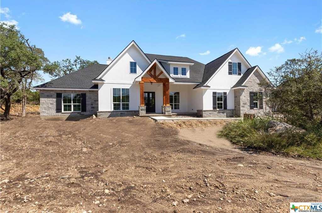 $585,000 - 4Br/4Ba -  for Sale in Cascada Canyon Lake 1, Spring Branch