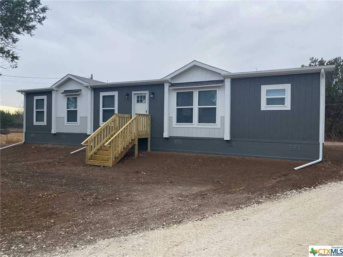$229,900 - 3Br/2Ba -  for Sale in Cannon East Sub, Gonzales
