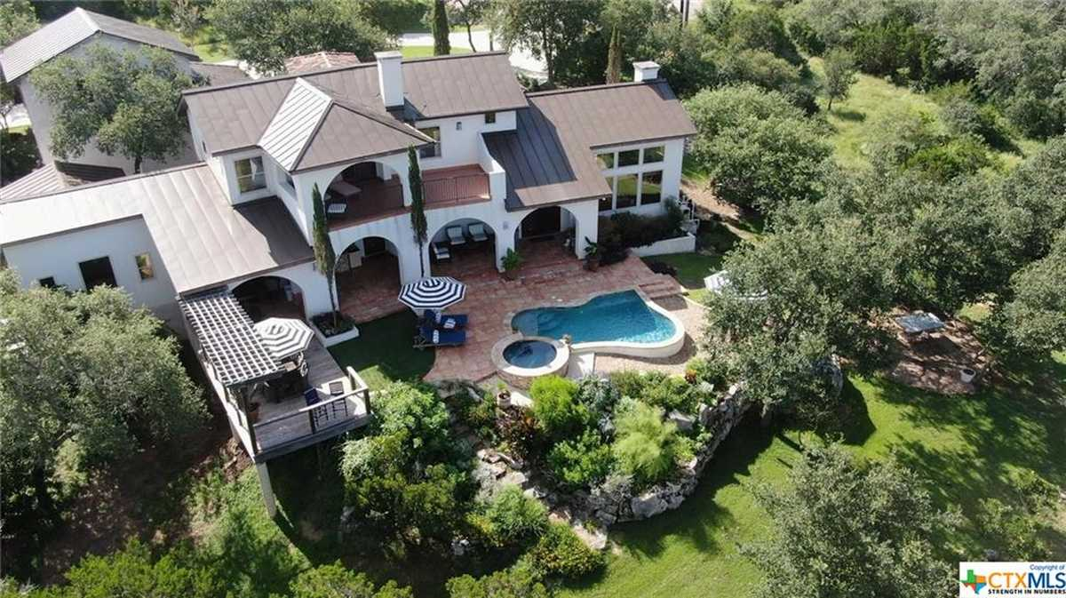 $1,250,000 - 4Br/5Ba -  for Sale in River Chase 3, New Braunfels