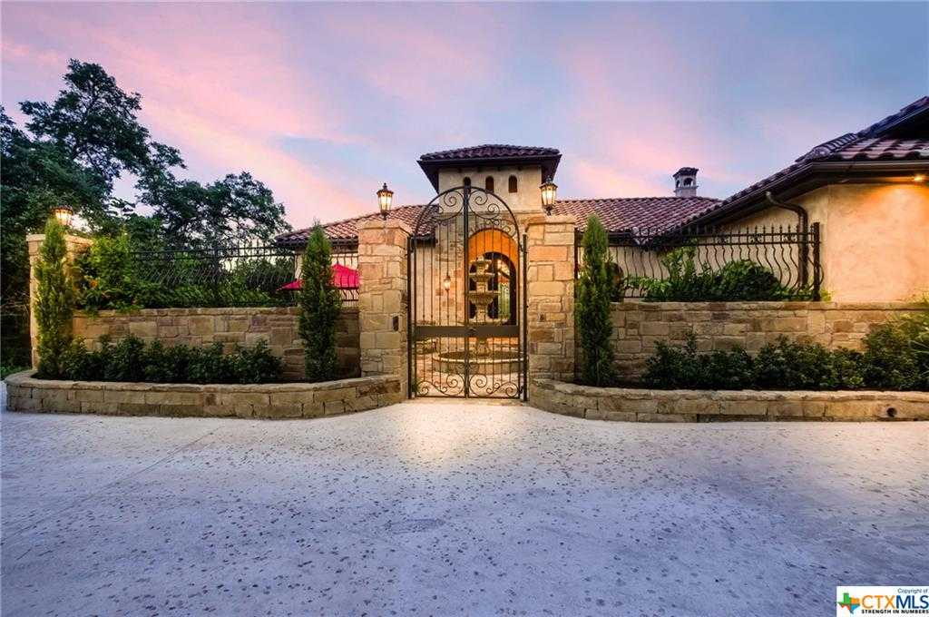 $800,000 - 4Br/4Ba -  for Sale in Peninsula At Mystic Shores 3, Spring Branch