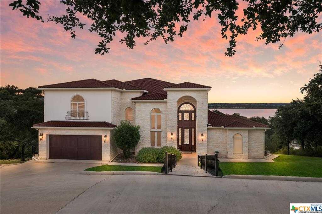 $1,995,000 - 4Br/6Ba -  for Sale in Oak Shores Estates, Canyon Lake