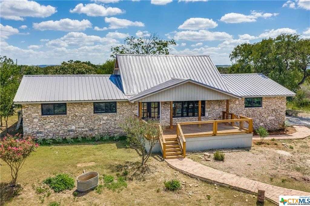 $759,999 - 3Br/2Ba -  for Sale in Deer Meadow, Canyon Lake
