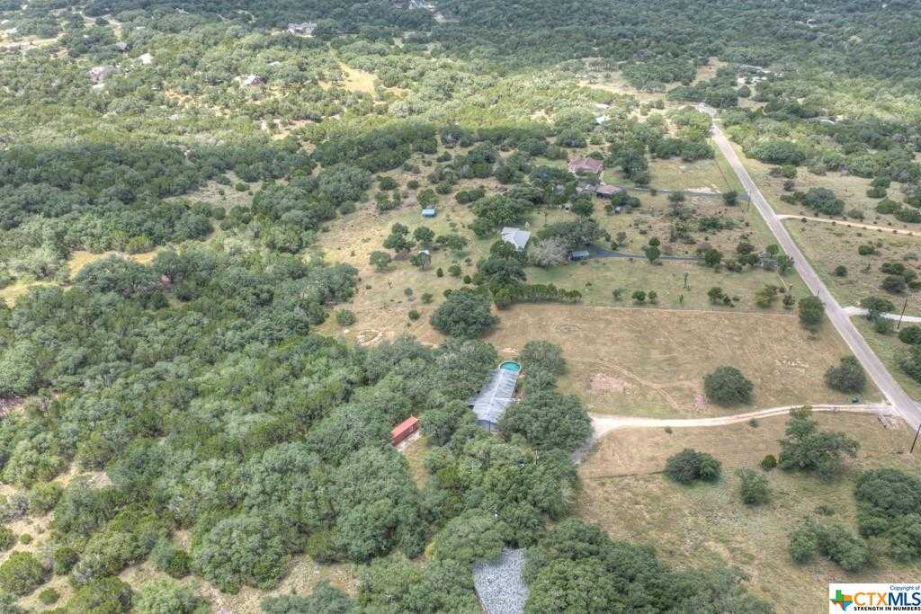 $439,000 - 4Br/2Ba -  for Sale in Eden Ranch 4, Canyon Lake