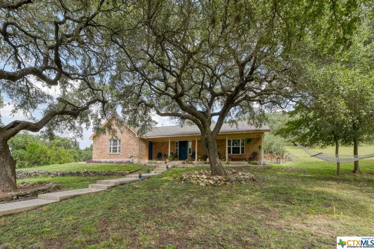 $615,000 - 3Br/2Ba -  for Sale in River Chase 1, New Braunfels