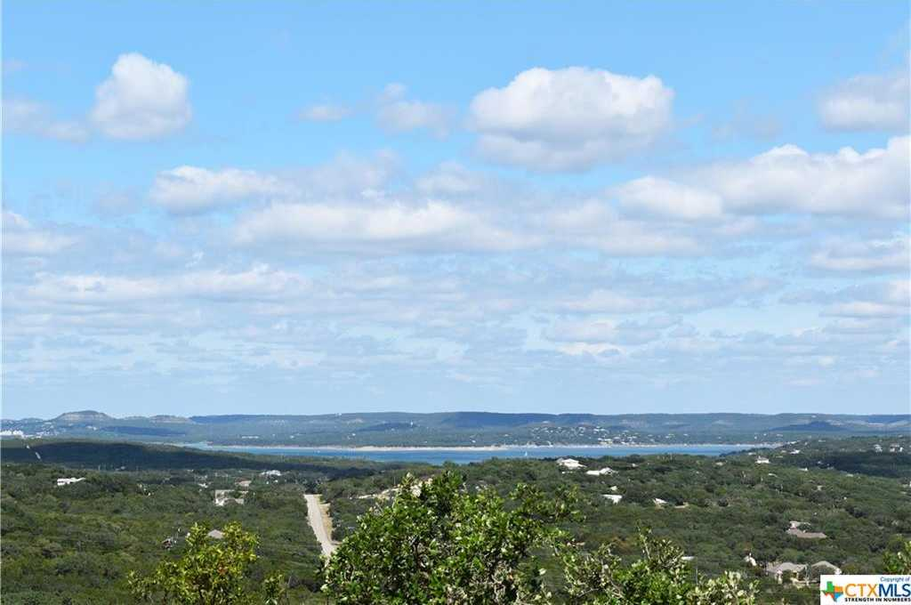 $399,900 - 3Br/2Ba -  for Sale in Scenic Heights 2, Canyon Lake