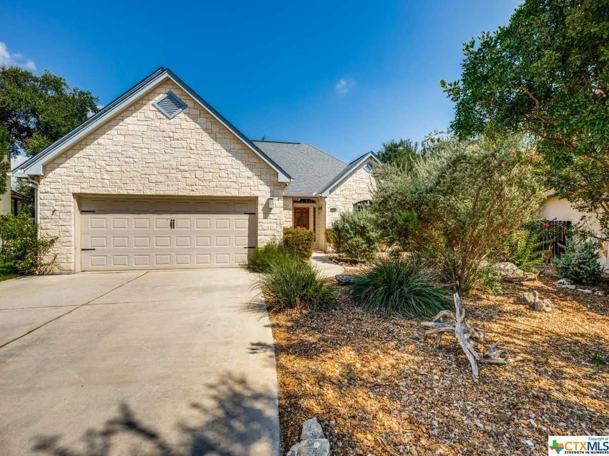 $435,000 - 3Br/2Ba -  for Sale in Oakwood Estates 15, New Braunfels