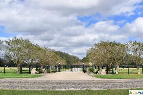 $975,000 - 3Br/3Ba -  for Sale in Goliad