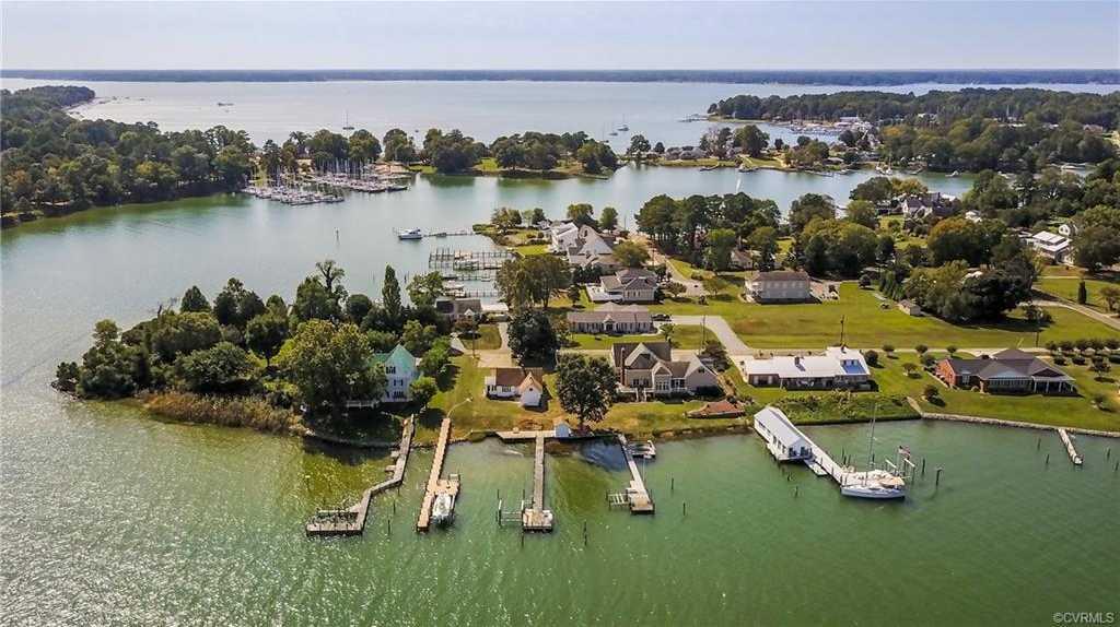 $439,000 - 3Br/1Ba -  for Sale in None, Deltaville
