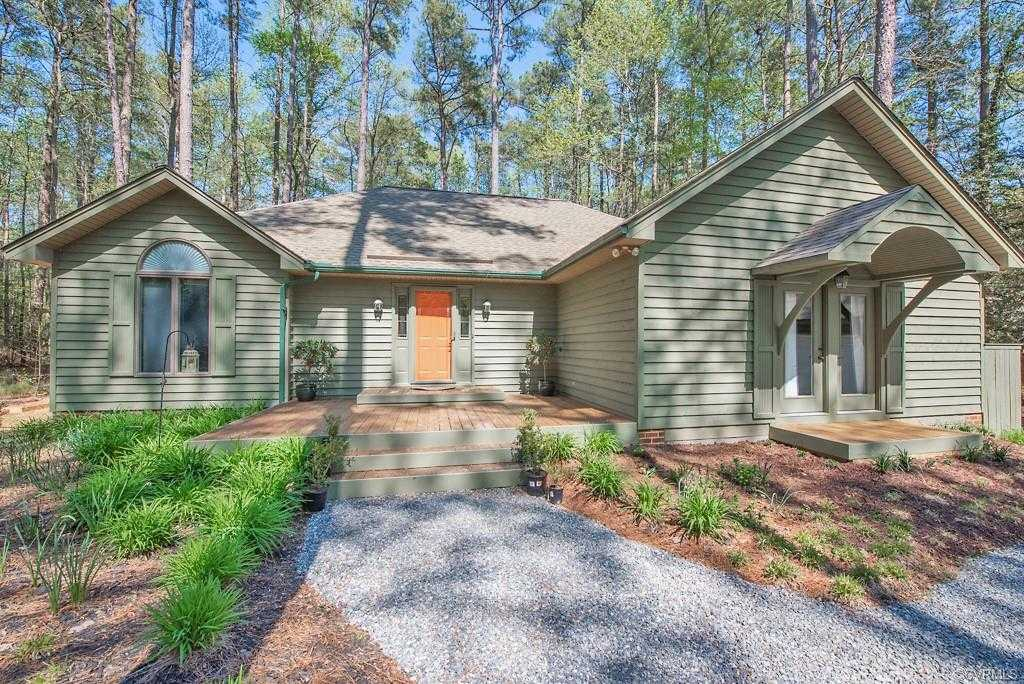 $349,900 - 3Br/3Ba -  for Sale in Lucys Cove, Deltaville