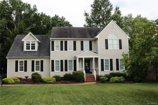 $325,000 - 4Br/3Ba -  for Sale in Green Ridge, Hanover
