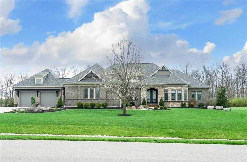 $989,900 - 5Br/5Ba -  for Sale in Country Brknorth 10, Clearcreek Twp