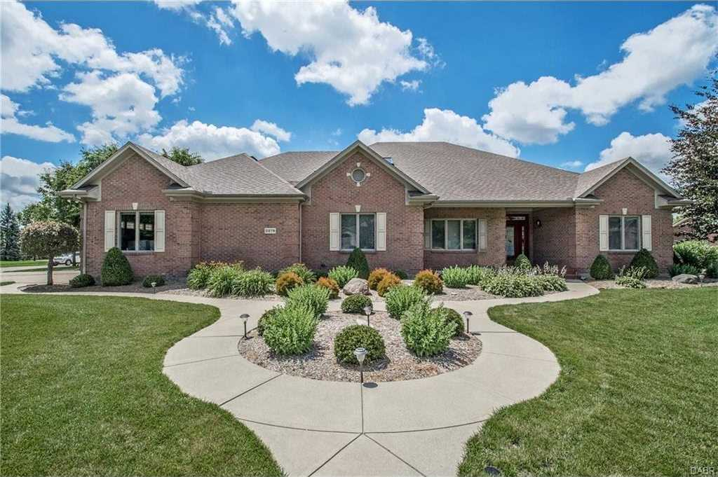 $474,000 - 4Br/4Ba -  for Sale in Meeker Crk Sec 02, Dayton