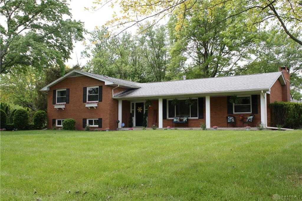 $300,000 - 4Br/3Ba -  for Sale in Penbrooke Sec 03, Dayton