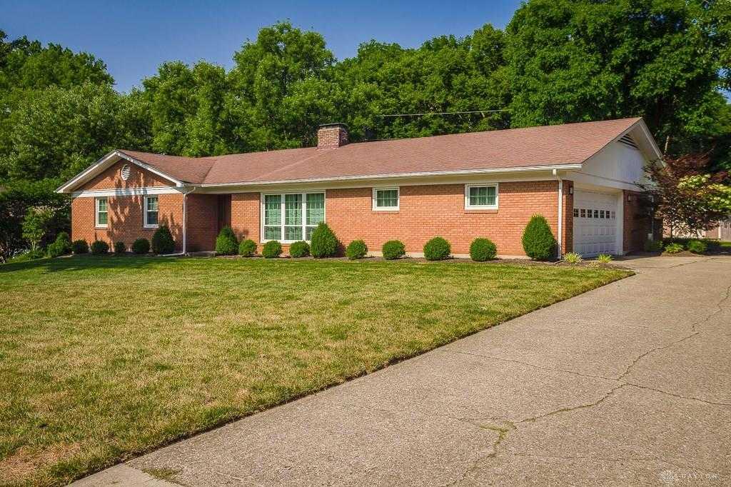 $249,900 - 4Br/3Ba -  for Sale in Fair Lea Estates, Centerville