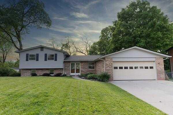 $249,900 - 4Br/3Ba -  for Sale in Vista Manor, Beavercreek