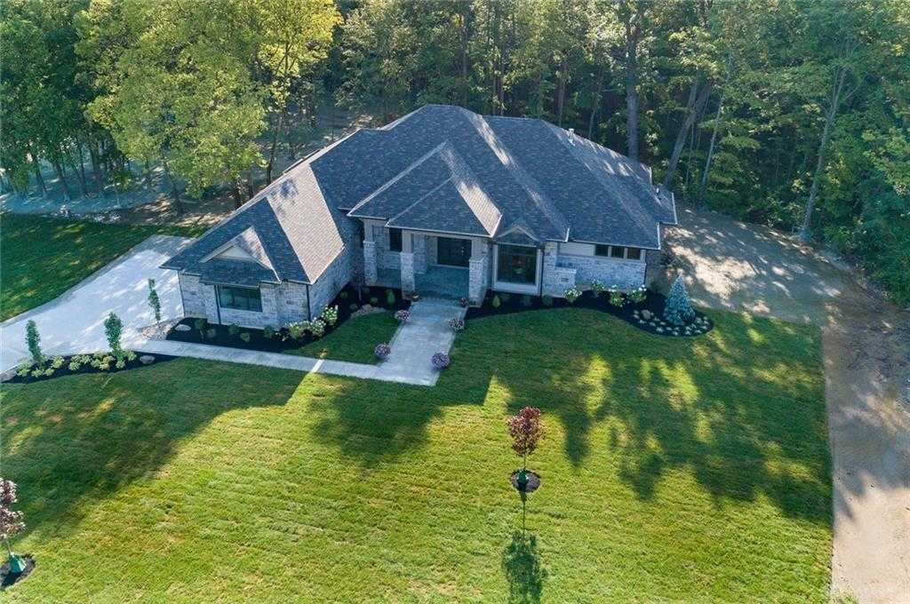 $999,900 - 4Br/4Ba -  for Sale in Country Crk Est1, Clearcreek Twp