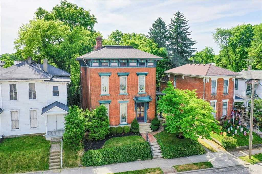 $249,900 - 4Br/2Ba -  for Sale in Mitchells Add, Springfield