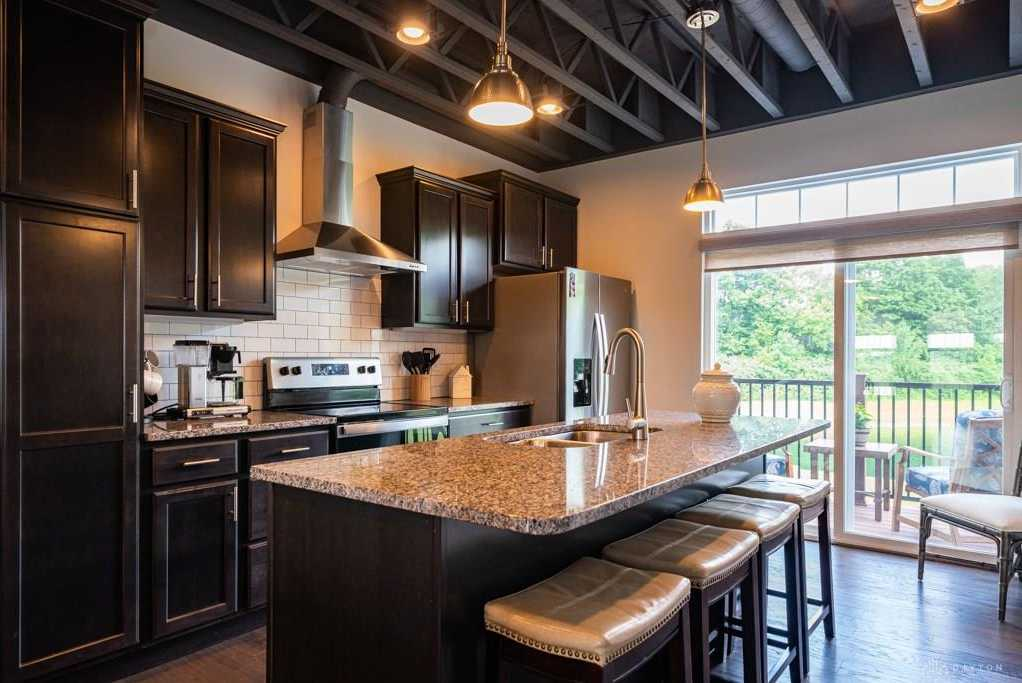 $289,900 - 2Br/3Ba -  for Sale in Parkside Row Twnhms3, Springboro