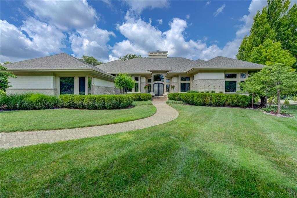 $699,900 - 3Br/5Ba -  for Sale in The Estates, Beavercreek Township