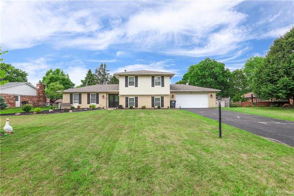 $249,900 - 4Br/3Ba -  for Sale in Red Coach Farm, Centerville