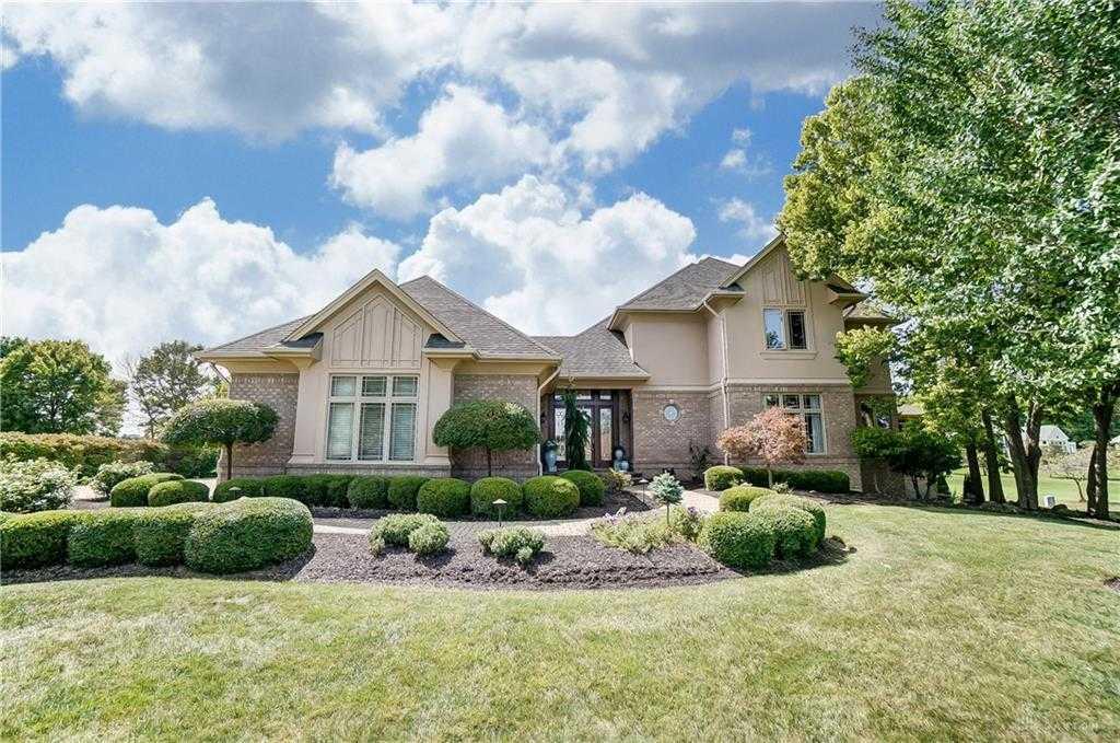 $725,000 - 3Br/3Ba -  for Sale in The Estates, Beavercreek Township