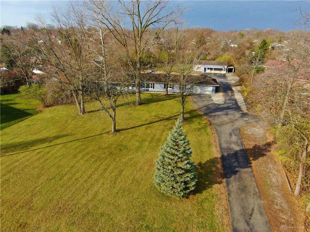$299,900 - 5Br/3Ba -  for Sale in Springfield