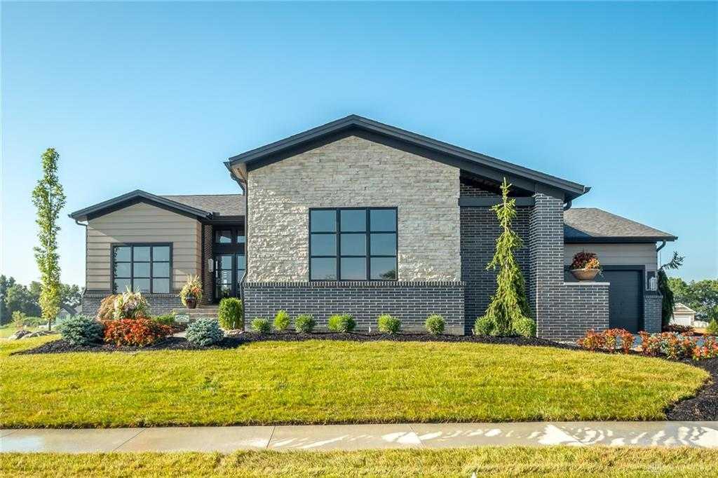 $950,000 - 5Br/5Ba -  for Sale in White Barn Trails, Beavercreek Township