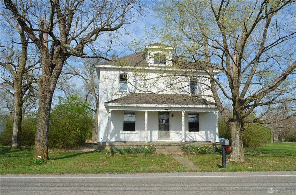 $300,000 - 4Br/2Ba -  for Sale in Tipp City