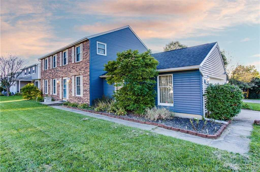 $350,000 - 4Br/4Ba -  for Sale in Pheasant Hill, Huber Heights