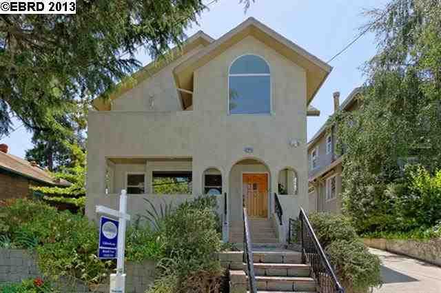 2445 Delmer St Oakland, CA 94602