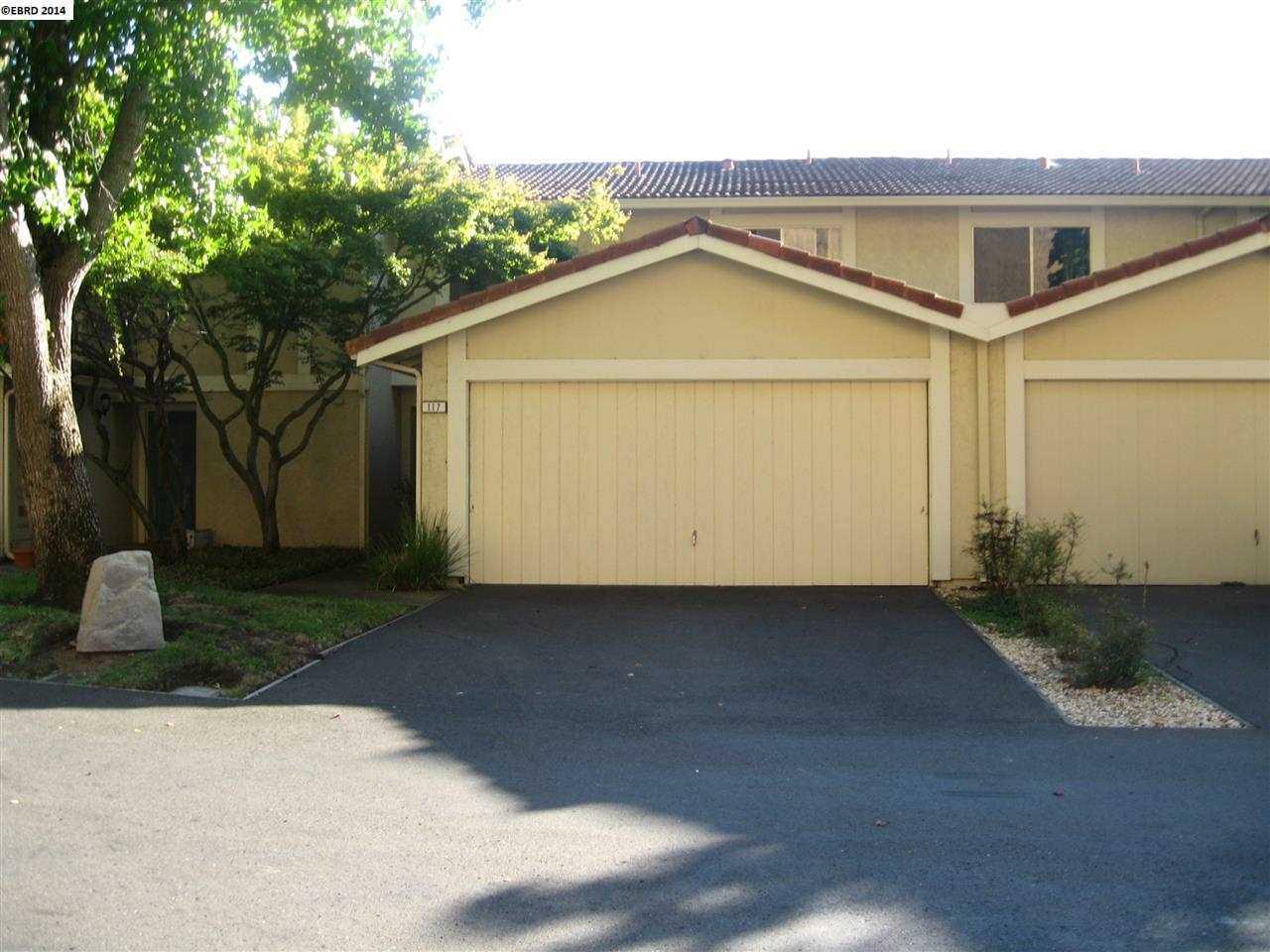 117 Thousand Oaks St Oakland, CA 94605