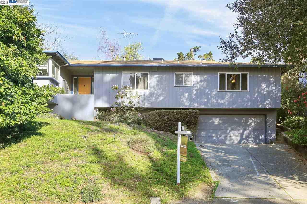 2760 Darnby Dr Oakland, CA 94611