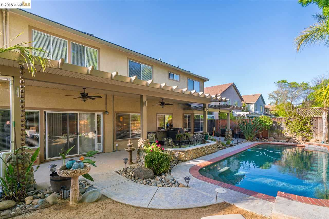 860 Woodsong Ln Brentwood, CA 94513