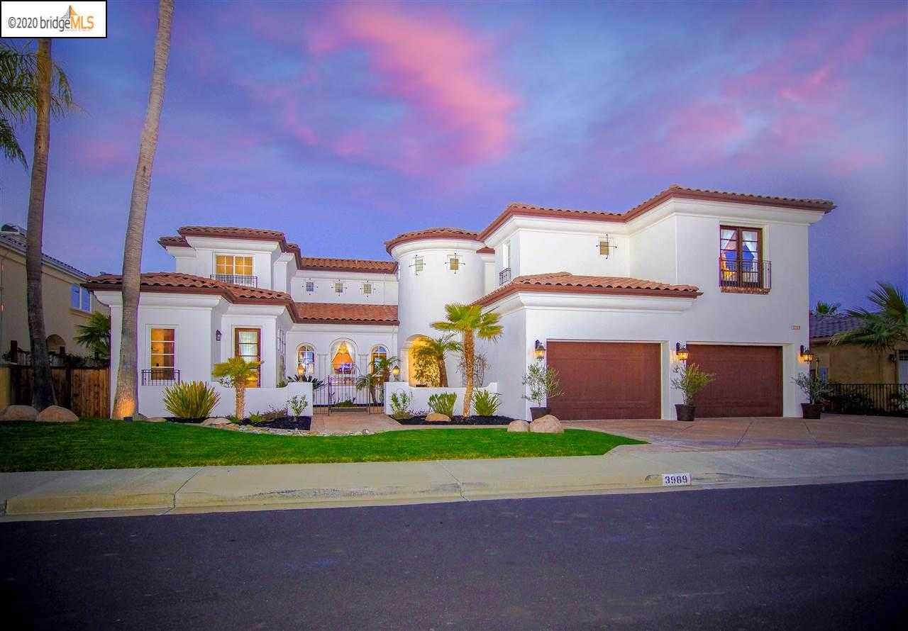 $1,999,990 - 5Br/4Ba -  for Sale in Delta Waterfront Access, Discovery Bay