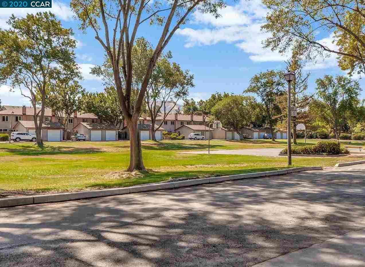 $454,000 - 3Br/3Ba -  for Sale in Newhall, Concord