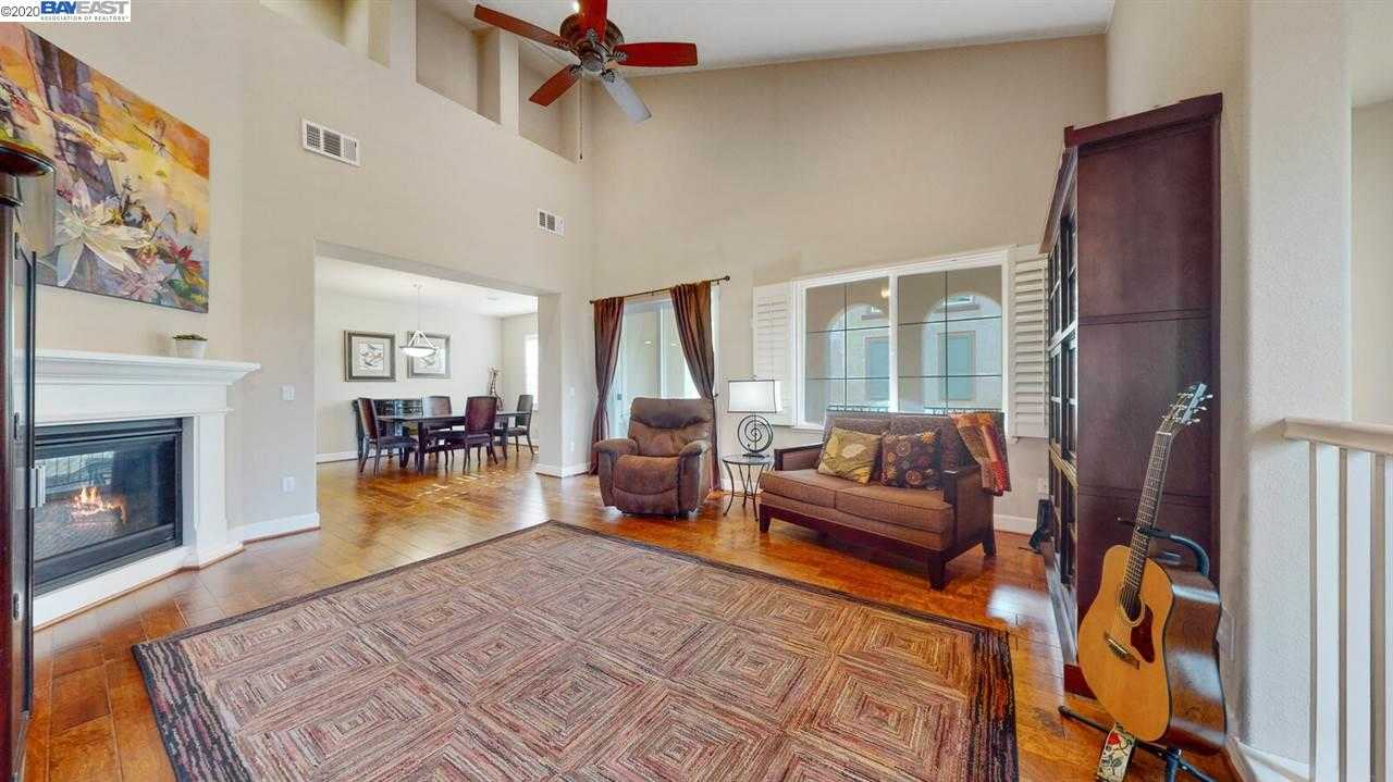 $689,999 - 2Br/2Ba -  for Sale in Montage, Livermore