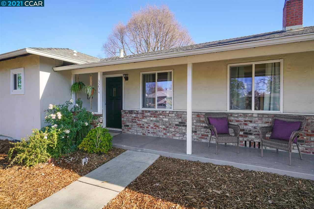 $610,000 - 3Br/2Ba -  for Sale in Holbrook Heights, Concord